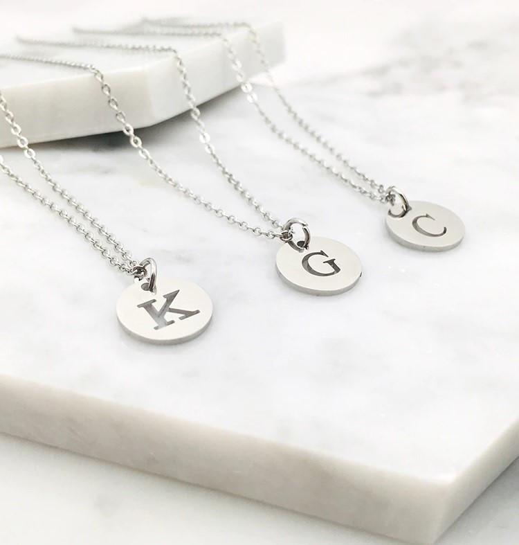 Dámsky oceľový náhrdelník s písmenkom-249450-34