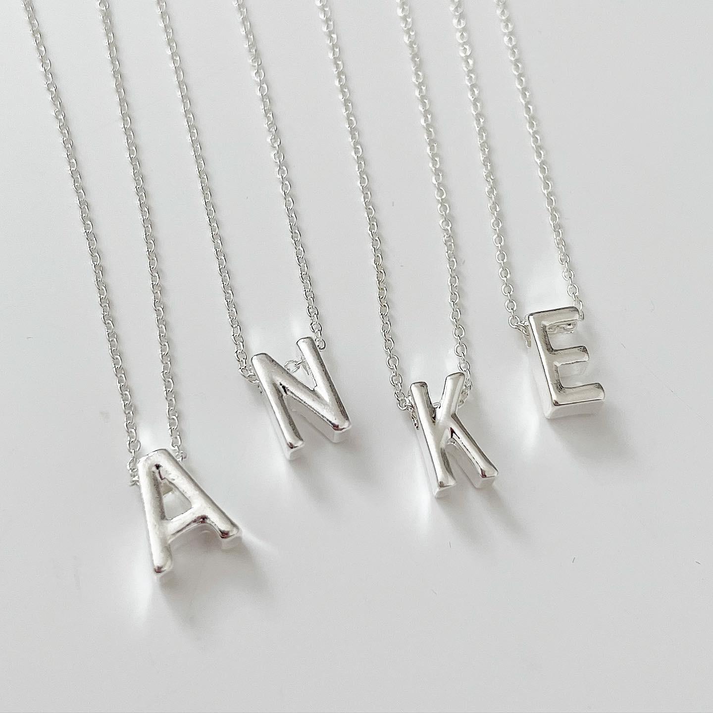 Dámsky náhrdelník s písmenkom-234297-34