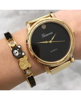 Zlaté hodinky s čiernym ciferníkom