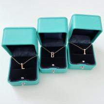 Dámsky náhrdelník s písmenkom-234373-03