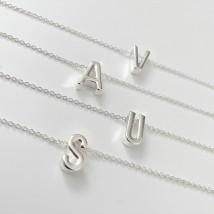 Dámsky náhrdelník s písmenkom-234297-04